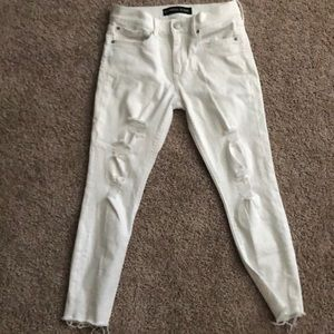 Express Mid rise white skinny Jean